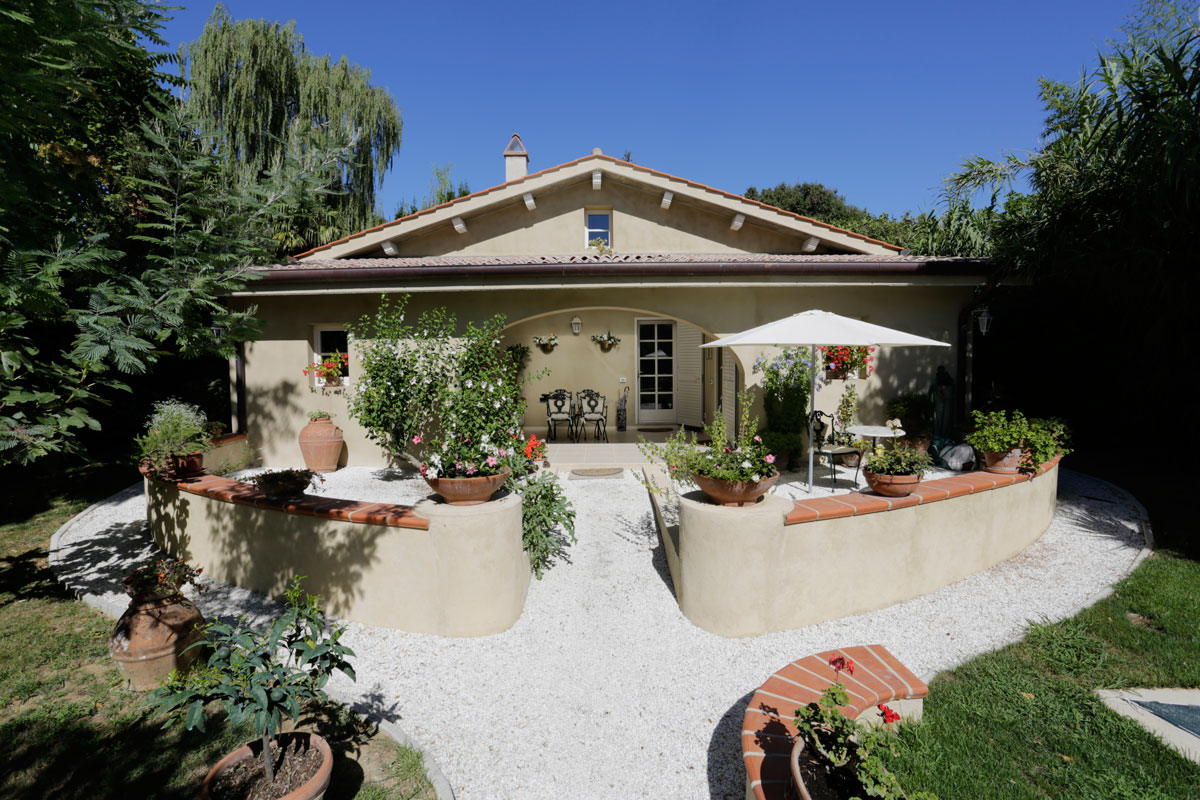 tuscany_italy_house_for_sale_03_villa.jpg